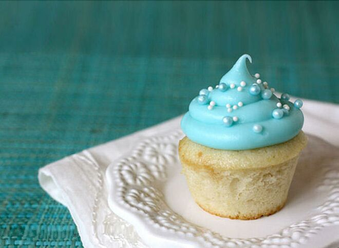 blue-baby-cupcakes-