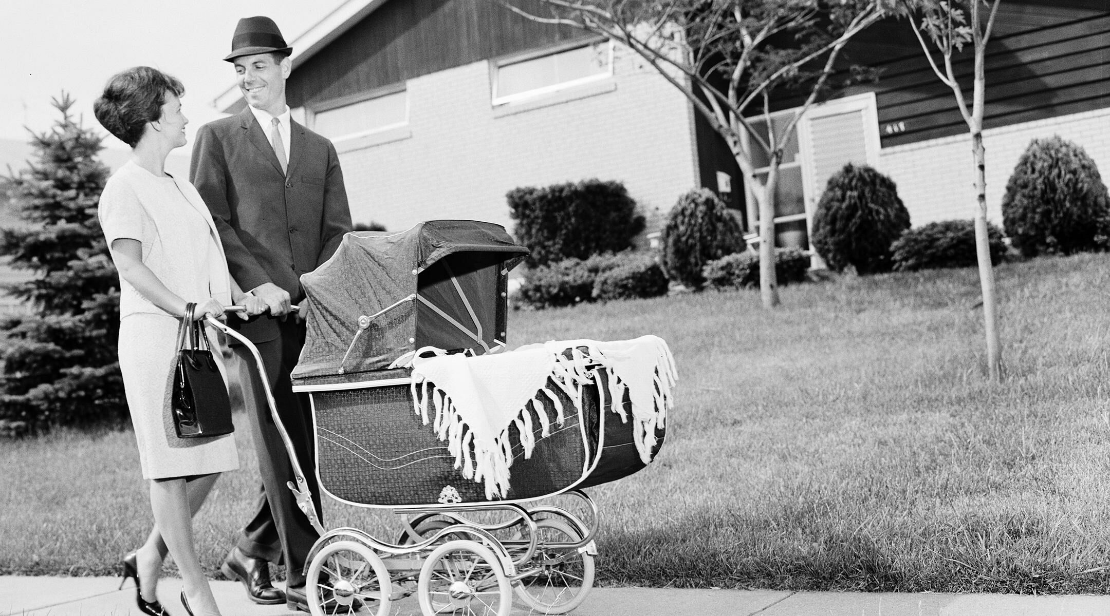 Having a Baby Before Marriage Is No Longer Tied to Divorce, ReportFinds