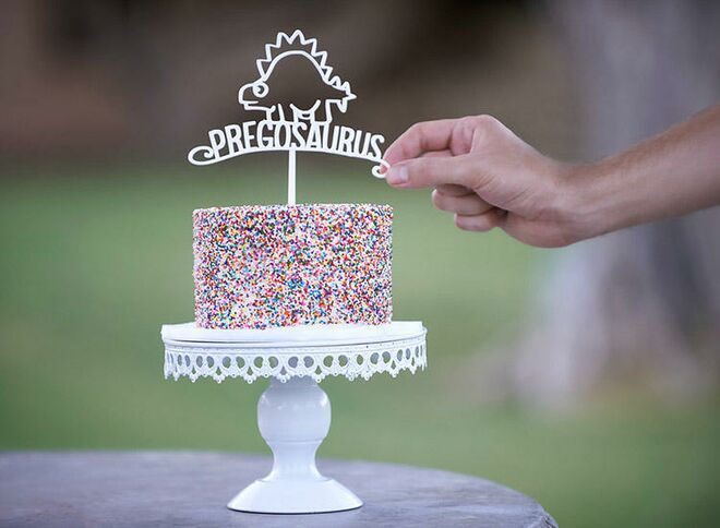 pregnancy-announcement-pregasouras-cake-topper