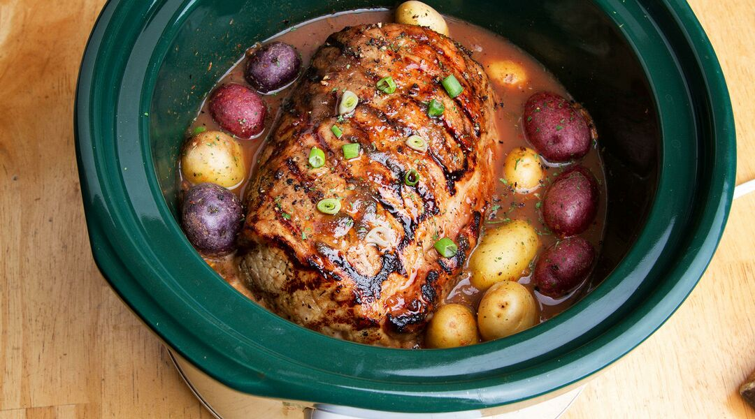 Meat and potatoes in crock pot