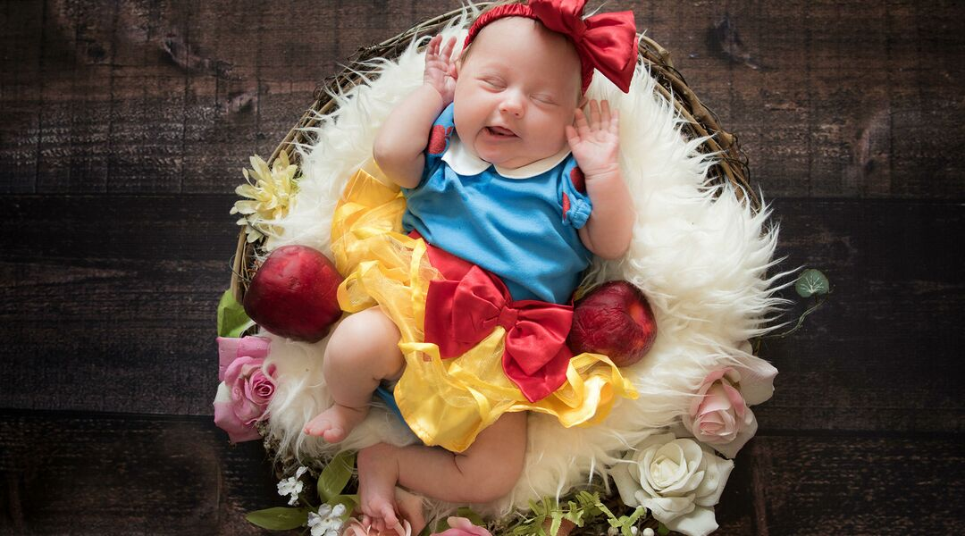 Happy Snow White Baby