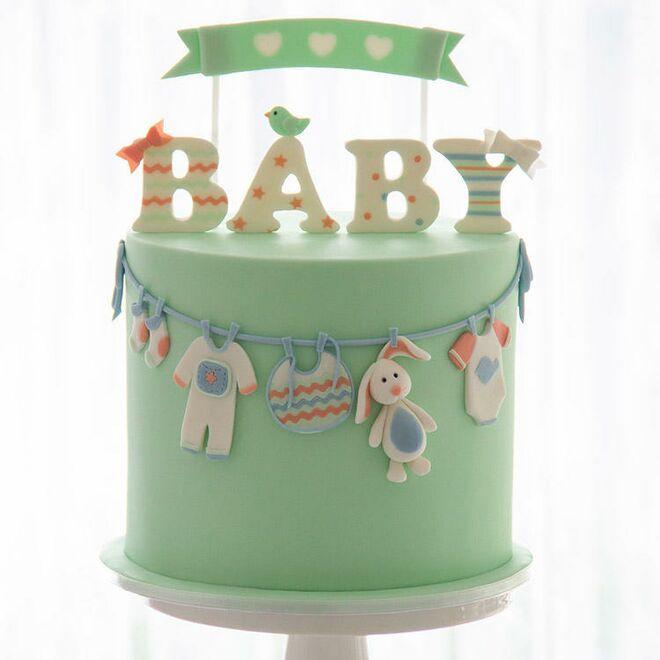 baby-clothesline-cake