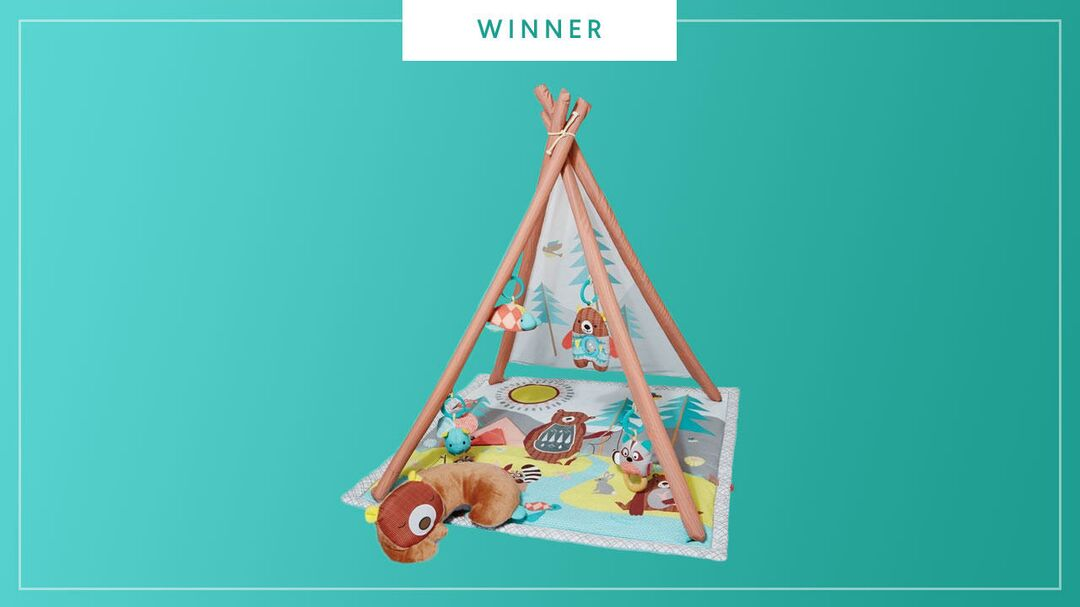 The Skip Hop Camping Cubs Activity Gym wins the 2017 Best of Baby award from The Bump