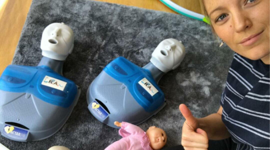 Blake Lively at CPR class
