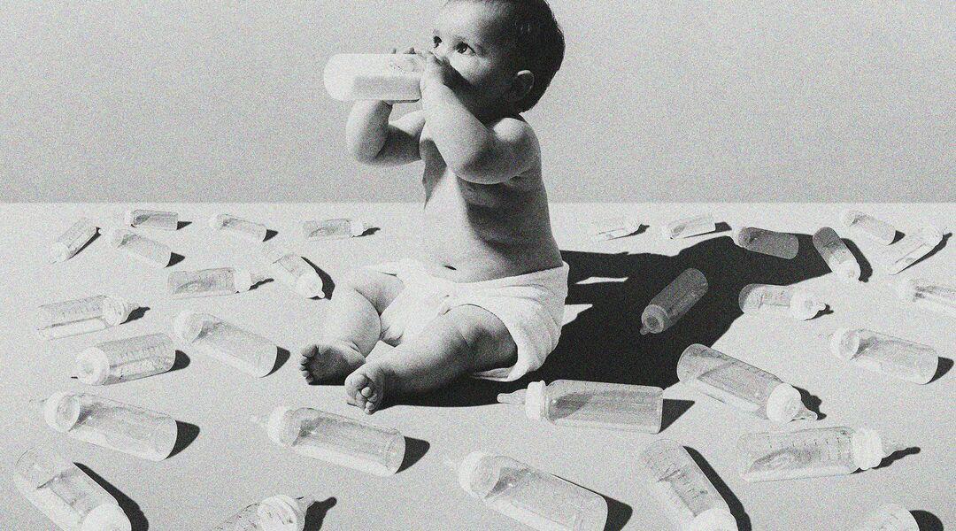 mom lying about breastfeeding, formula fed baby