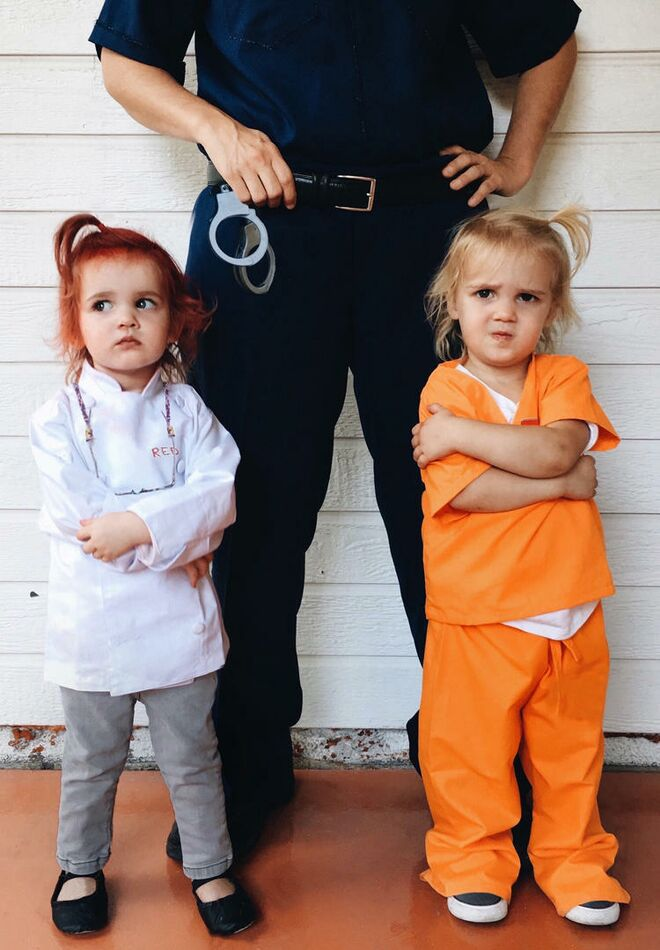 twin-halloween-costumes-oitnb  sc 1 st  The Bump & 25 Best Twin Halloween Costumes