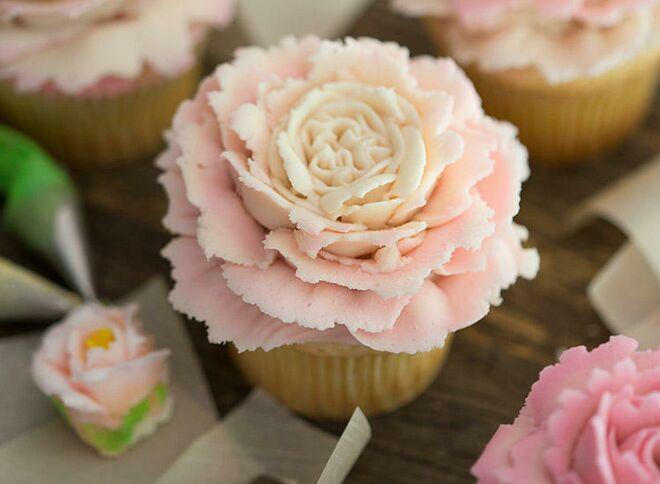 rose-cupcakes-
