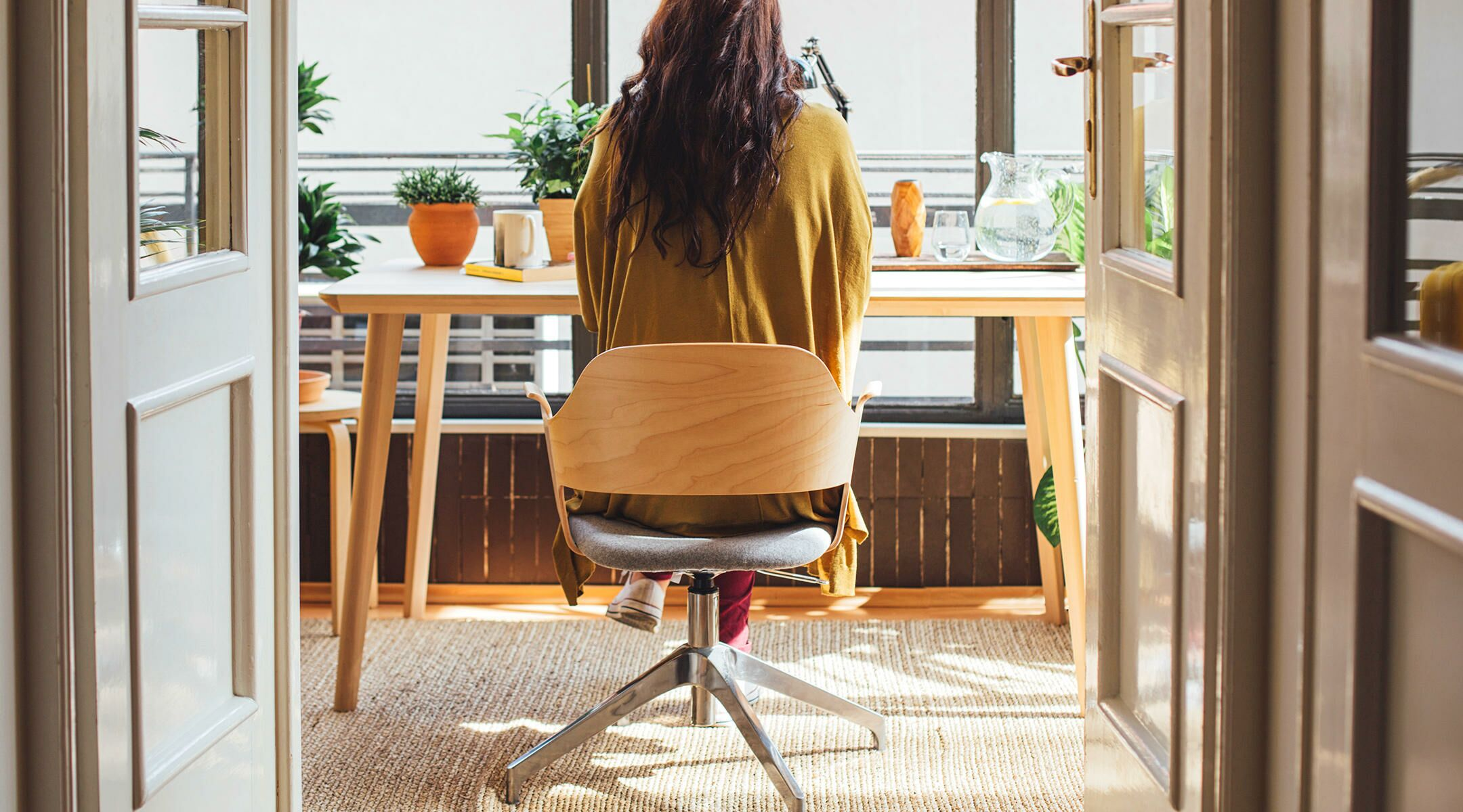 office-home-woman-work