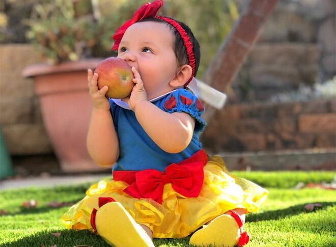 931ef97106720 9 Cute Snow White Baby Photos You Have To See