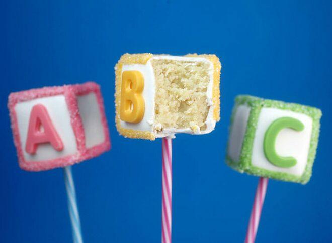 baby-block-cake-pops-