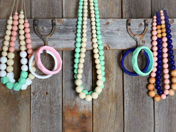 nyme-organics-teething-jewelry-580x435