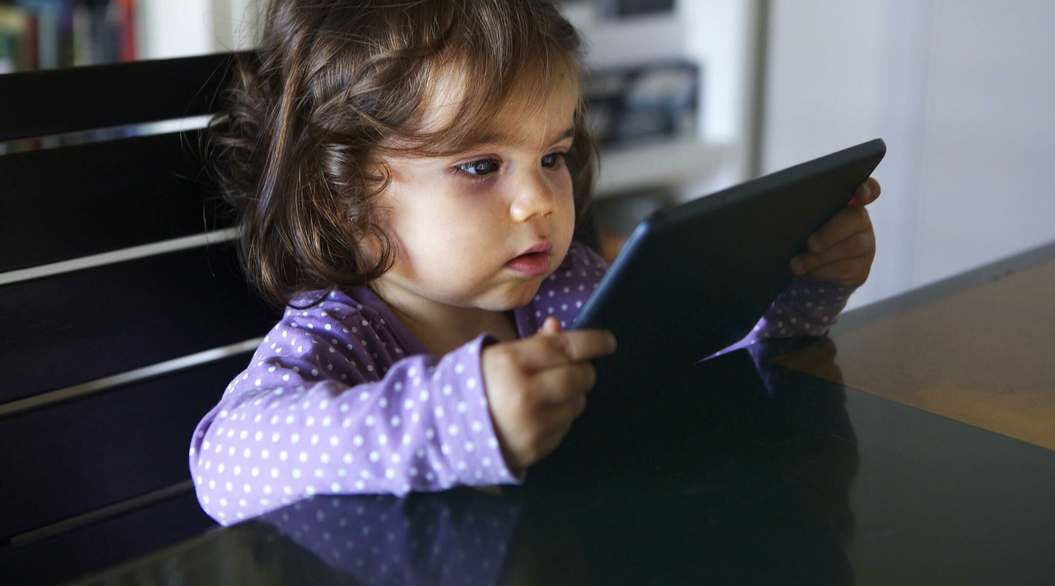 Bilingual Babies Begin to Learn Two Languages Earlier Than We Ever Thought, StudySays