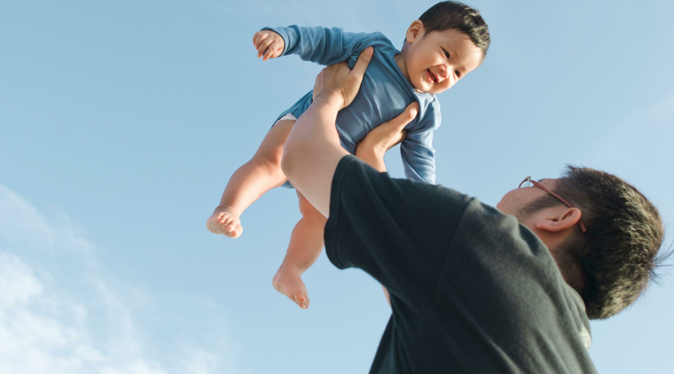 7 Ways for a New Dad to Bond WithBaby