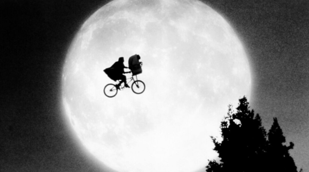 movie still of ET representing weird pregnancy dreams