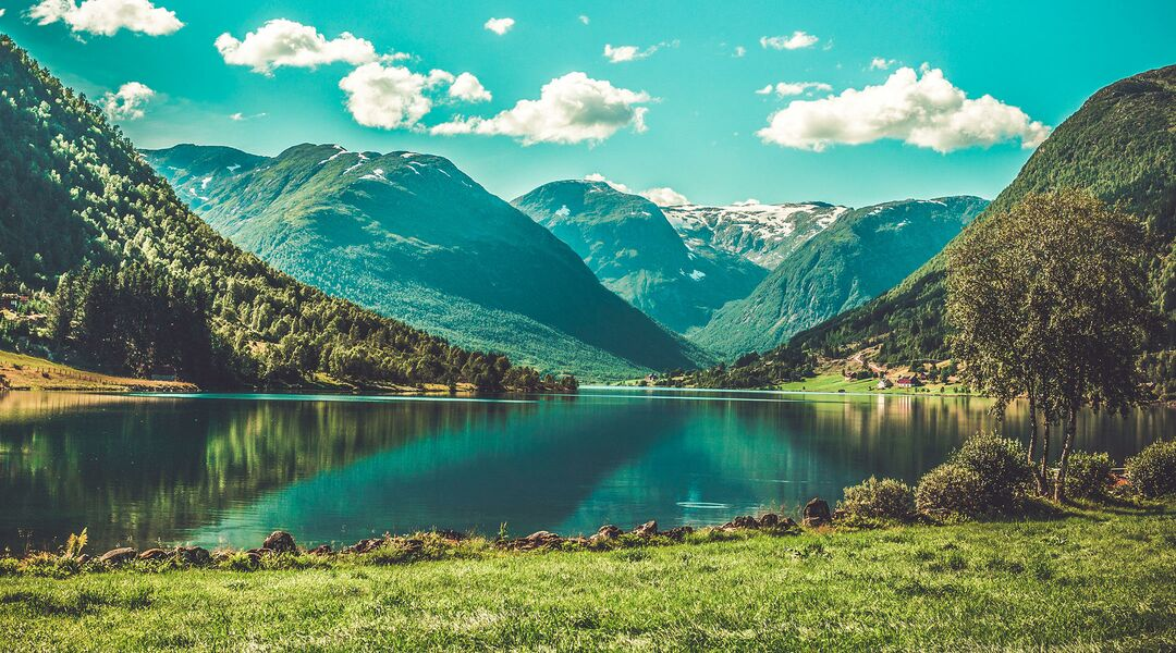 writer travels with kids to the fjords of Norway