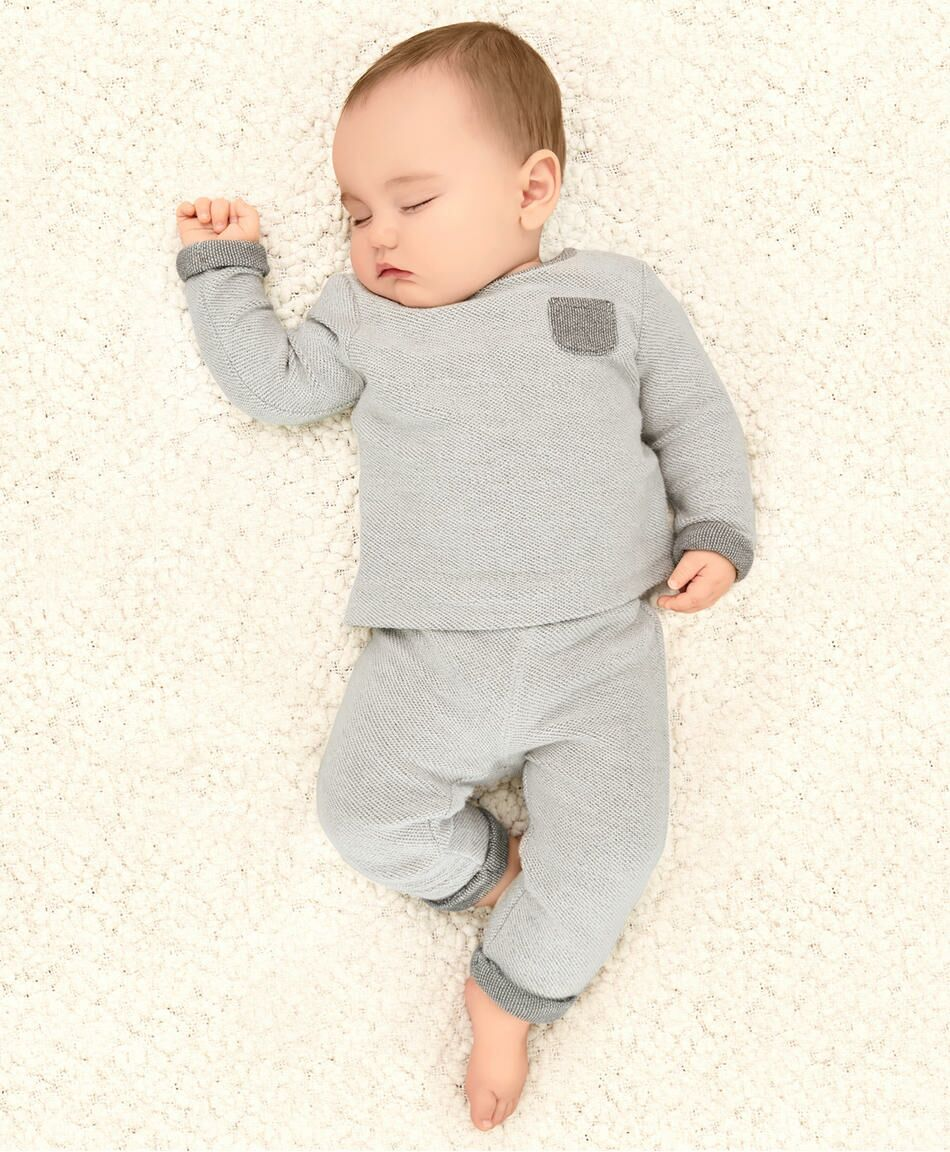 10 Signs of Quality Baby Clothes To Look For