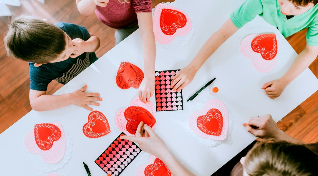 18 Valentine S Day Crafts For Kids