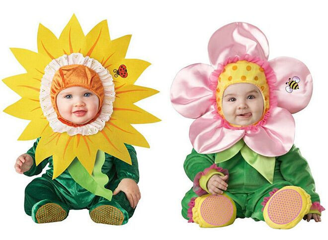 twin-halloween-costumes-flowers  sc 1 st  The Bump & 25 Best Twin Halloween Costumes