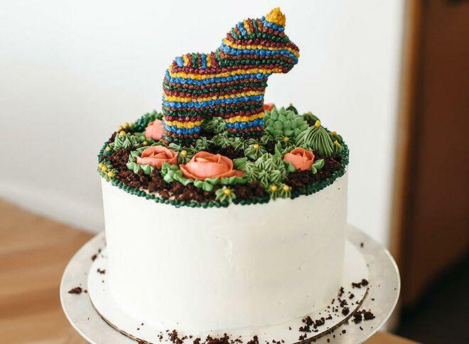 pony-pinata-cake-