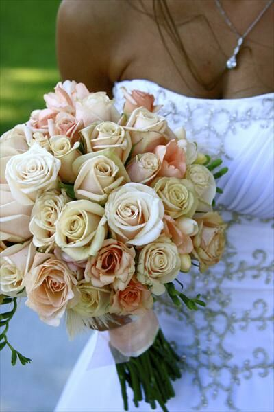 Wedding Bouquets Variety : Country club simplicity the knot