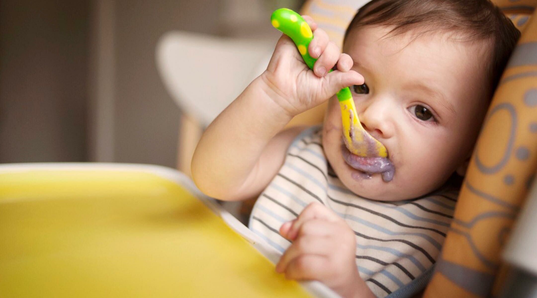 When Should I Give Baby a Spoon?
