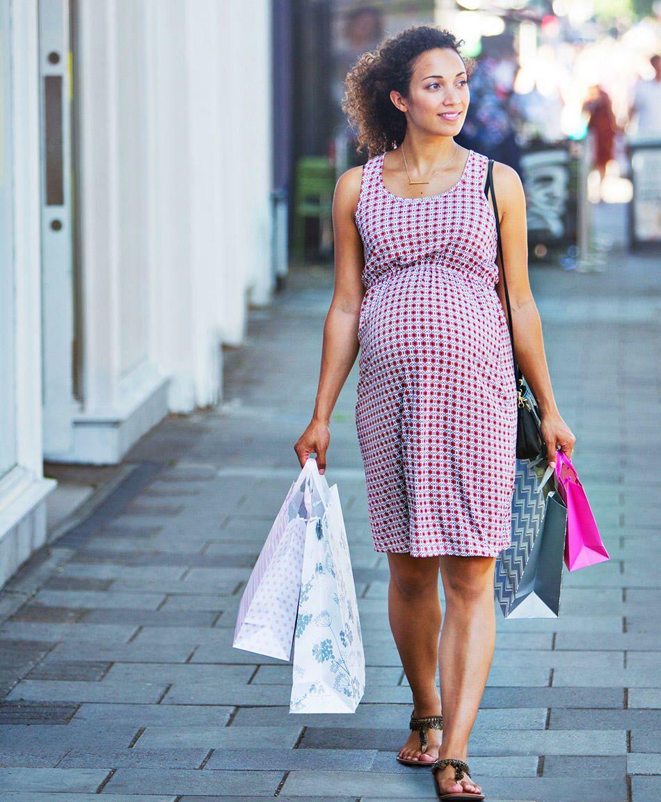d2b98802d 8 Maternity Fashion Myths — Busted!