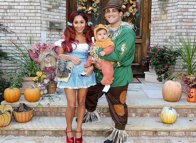 family halloween costumes with baby