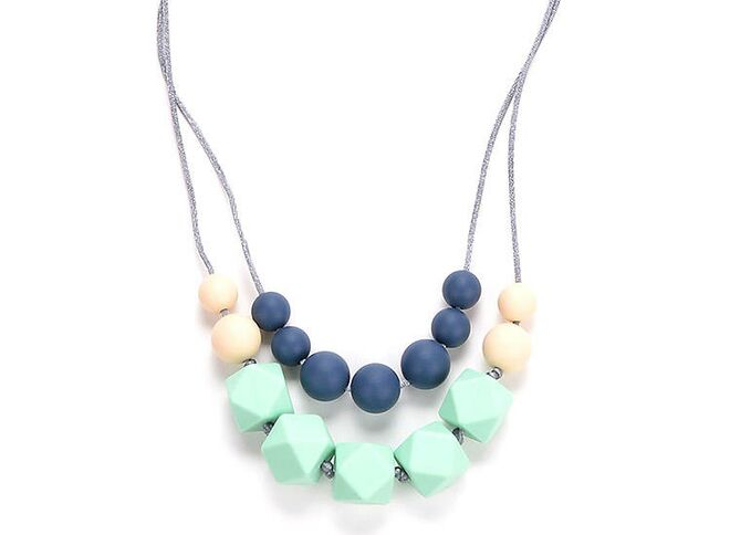 Teething necklace best teething necklace for babies marotaro harper silicone teething necklace aloadofball Choice Image