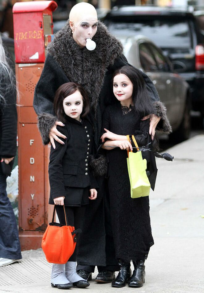 scary family halloween costumes